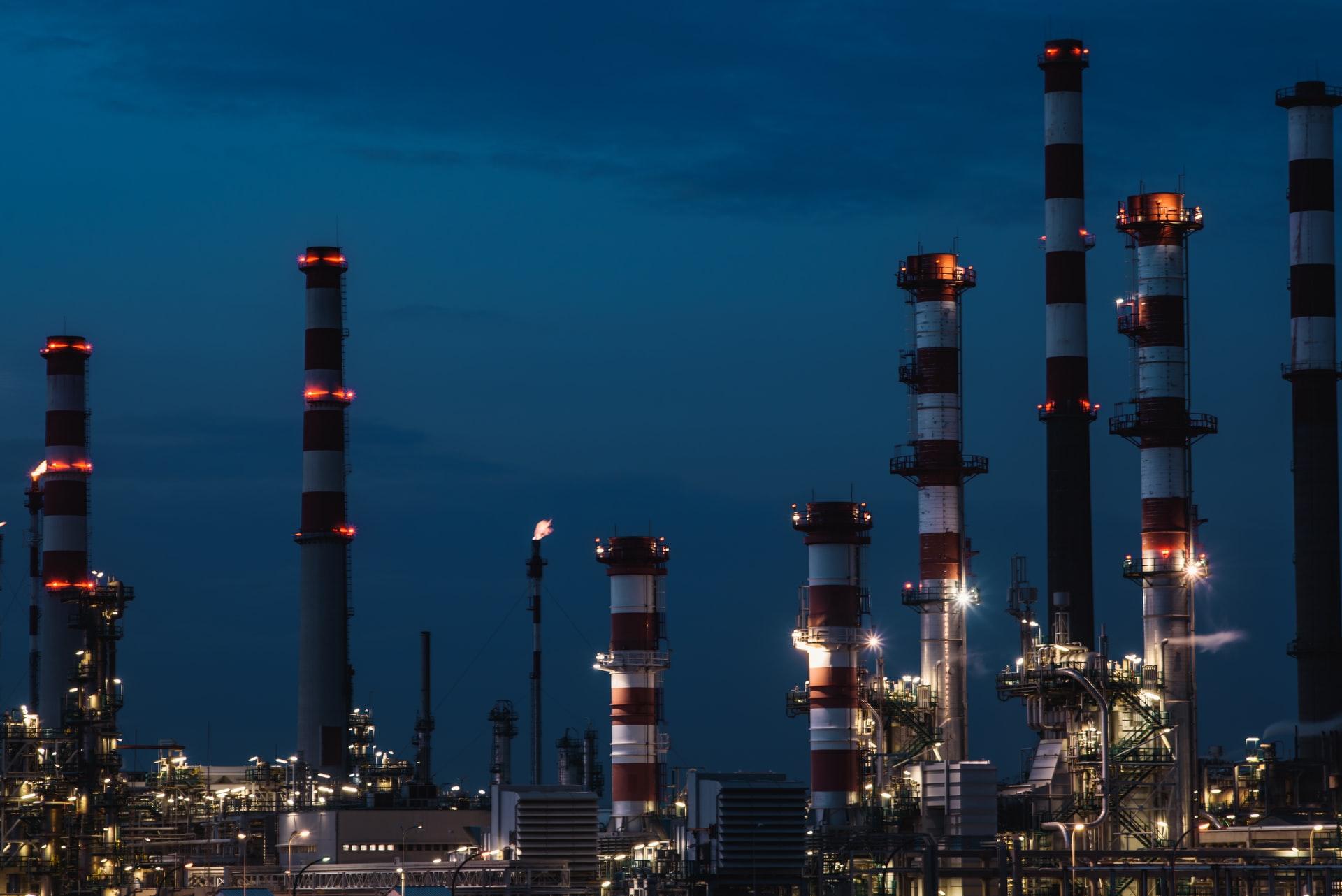 olie prijs grondstoffen blijft stijgen dat merken we aan de pomp